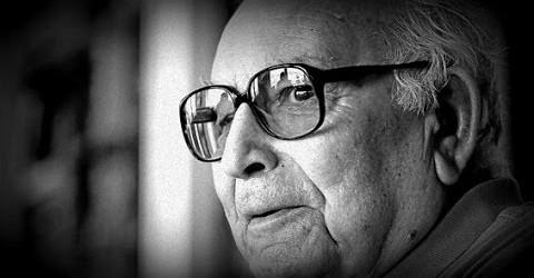 Yaşar Kemal'in Kendi Sesinden – Mezarımı Derinde Kazın Dar Olsun ( O Yar Gelir ) Türkü | #YaşarKemal